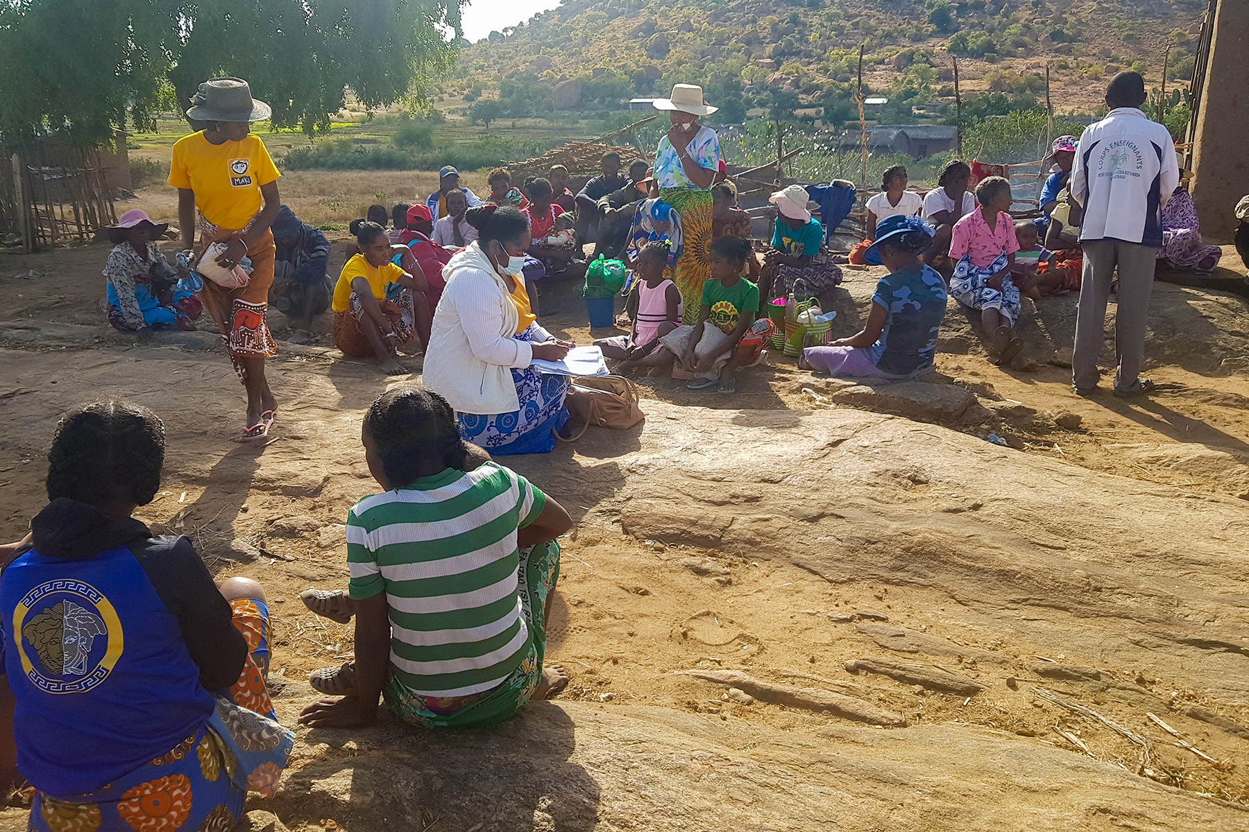 People gather to receive drought relief assistance in Mananovy, Betroka Synod. Photo MLC