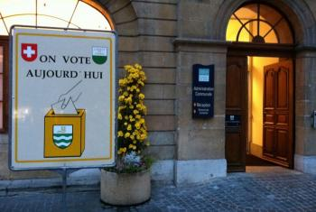 Polling place in Yverdon, Switzerland, 22 November 2010 Photo: Olivier Anh, under Creative Commons license (non-commercial, share alike)