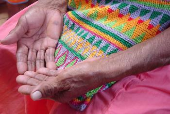 The hands of 84 year-old María Montezuma, a member of the Gnobe community. © ILCO communication office