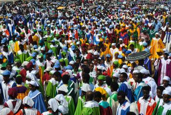 Large colorful choir crowd singing and dancing at the 500 years commemoration anniversary in Ethiopia. Photo: Tsion Alemayehu