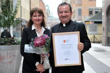 Guatemalan Lutheran church leader Rev. José Pilar Álvarez Cabrera (right) and Anneli Rogeman, We Effect, at the 2017 Lobbyist for Change prize ceremony in Stockholm, Sweden. Photo Ola Richardsson/We Effect""