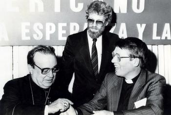 Bishop em. Dr Gunnar Stȧlsett (right), during his term as LWF General Secretary. Photo: LWF Archives