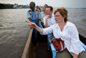Cornelia Füllkrug-Weitzel on a boat trip on the Congo River, Democratic Republic of Congo, 2010. Photo: Christoph Püschner/Brot für die Welt