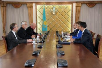 The LWF delegation with (from left) Area Secretary for Europe Ireneusz Lukas, General Secretary Martin Junge and Archbishop of the Evangelical Lutheran Church of Kazakhstan Jurij Novgorodov meeting with Dariga Nazarbayeva, Chairperson of the Senate of the Kazakh Parliament and Kazakh government officials. All photos: LWF/A. Weyermüller