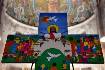 The Salvadoran cross painted for the joint ecumenical commemoration in Lund, Sweden will be at the center of the commemoration service in Namibia as well. Photo: LWF/ M. Renaux