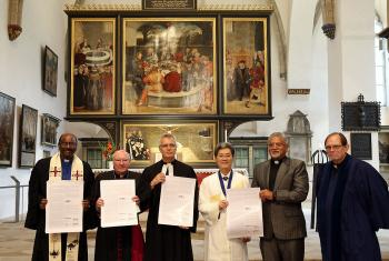 The Wittenberg Witness was signed in the City Church in Wittenberg in July 2017 by The Lutheran World Federation and the World Communion of Reformed Churches. The WCRC also signed an association agreement to the Joint Declaration on the Doctrine of Justification (JDDJ), originally signed by the LWF and the Roman Catholic Church in 1999, and later joined by the World Methodist Council. Photo: WCRC / Anna Siggelkow