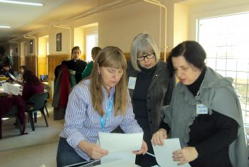Polish delegates sharing women's stories from their church. Photo: LWF/C. Rendon