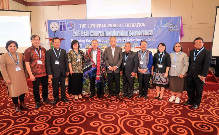 Indonesian church leaders meet with the President of the Republic's special envoy on interfaith relations and intercultural dialogue, Professor Syafiq Mughni (center). Photo: LWF/Isaac Henry