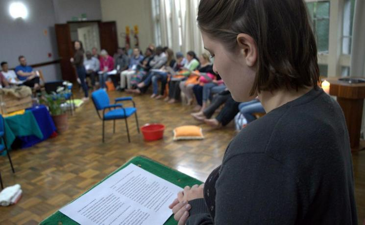 A participant offers insight at the LWF International Seminar on Prevention, Conflict Management and Peacebuilding. Photo: Scheila Dillenburg