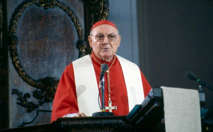 Cardinal Edward Cassidy at the signing of the Joint Declaration on the Doctrine of Justification in St Anna Lutheran Church, Augsburg Germany on 31 October 1999. Photo: ELCA/ Edgar R. Trexler for The Lutheran