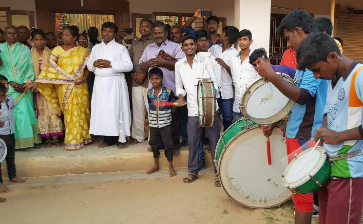 Members of Christ Lutheran Church worship to the sound of drums outside a church. Photo: LWF/Philip Lok