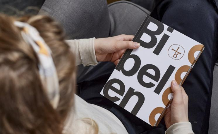 Pages from the Contemporary Danish Bible. Photo: Danish Bible Society