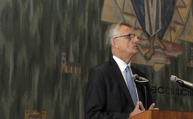 Rev. Dr Martin Junge delivers his report to Council. Photo: LWF/Helen Putsman
