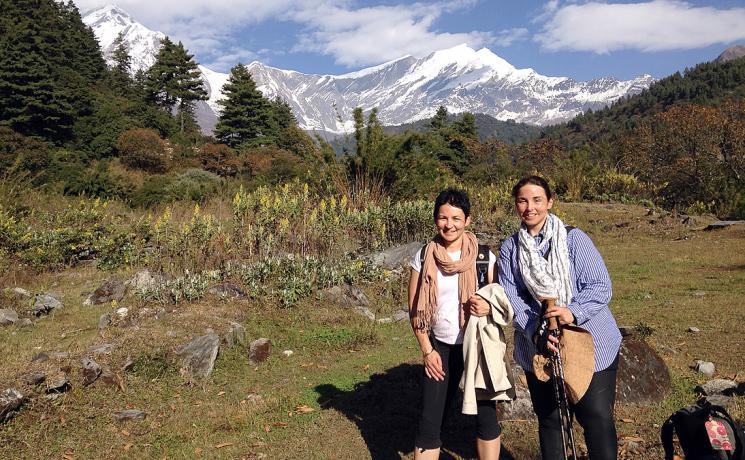 Sisters Kate and Josephine Neldner in in front of the Dhaulagiri range. Photo: K. Neldner