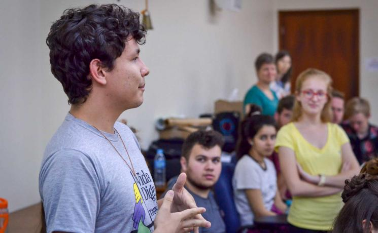 Renato Valenga speaking at the training seminar for the 2018 National Youth Campaign. Photo: Martina Scherer