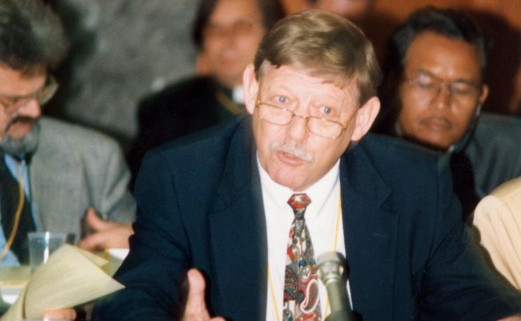 LWF Vice-President Rev. Huberto Kirchheim, during the 1998 LWF Council meeting in Geneva. Photo: LWF/C. Rothenbühler