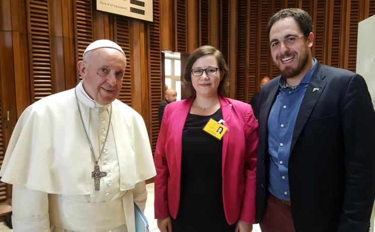 From left to right: Pope Francis, LWF Council member Julia Braband and Thomas Andonie, Chairperson of the Federation of German Catholic Youth (BDKJ). Photo: LWF / Julia Braband