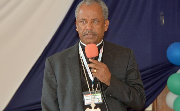 Rev. Dr Wakseyoum Idosa addressing delegates at the LUCCEA General Assembly in Nairobi, Kenya. Photo: ALCINET