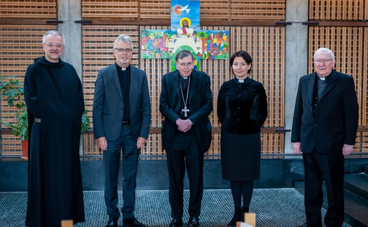 The Lutheran World Federation and the Pontifical Council for Promoting Christian Unity agreed to mark the 500th anniversary in 2021 together, during their annual joint staff meeting in Geneva.  From left to right: Father Dr Augustinus Sander (PCPCU), LWF General Secretary Rev. Dr Martin Junge, PCPCU President Kurt Cardinal Koch, LWF consultant Rev. Anne Burghardt, and PCPCU Secretary Bishop Dr Brian Farrell. Photo: LWF/S. Gallay
