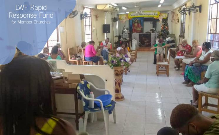 In one of its COVID-19 response activities, the Cuban Lutheran church organized a community lunch for 320 people including members of the congregations of Cristo Vive, Cristo Redentor, Nuestro Salvador and Aposento Alto. Photo: IEU-SL