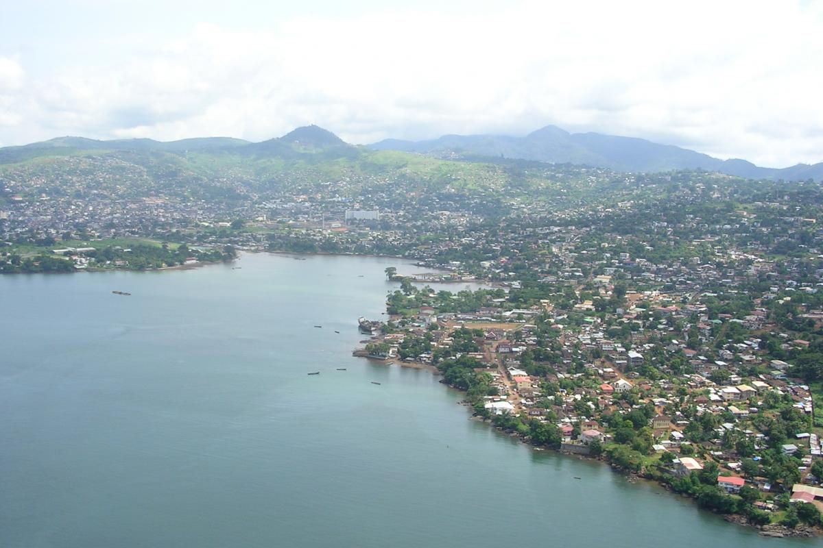 Freetown from above. Photo: David Hond.
