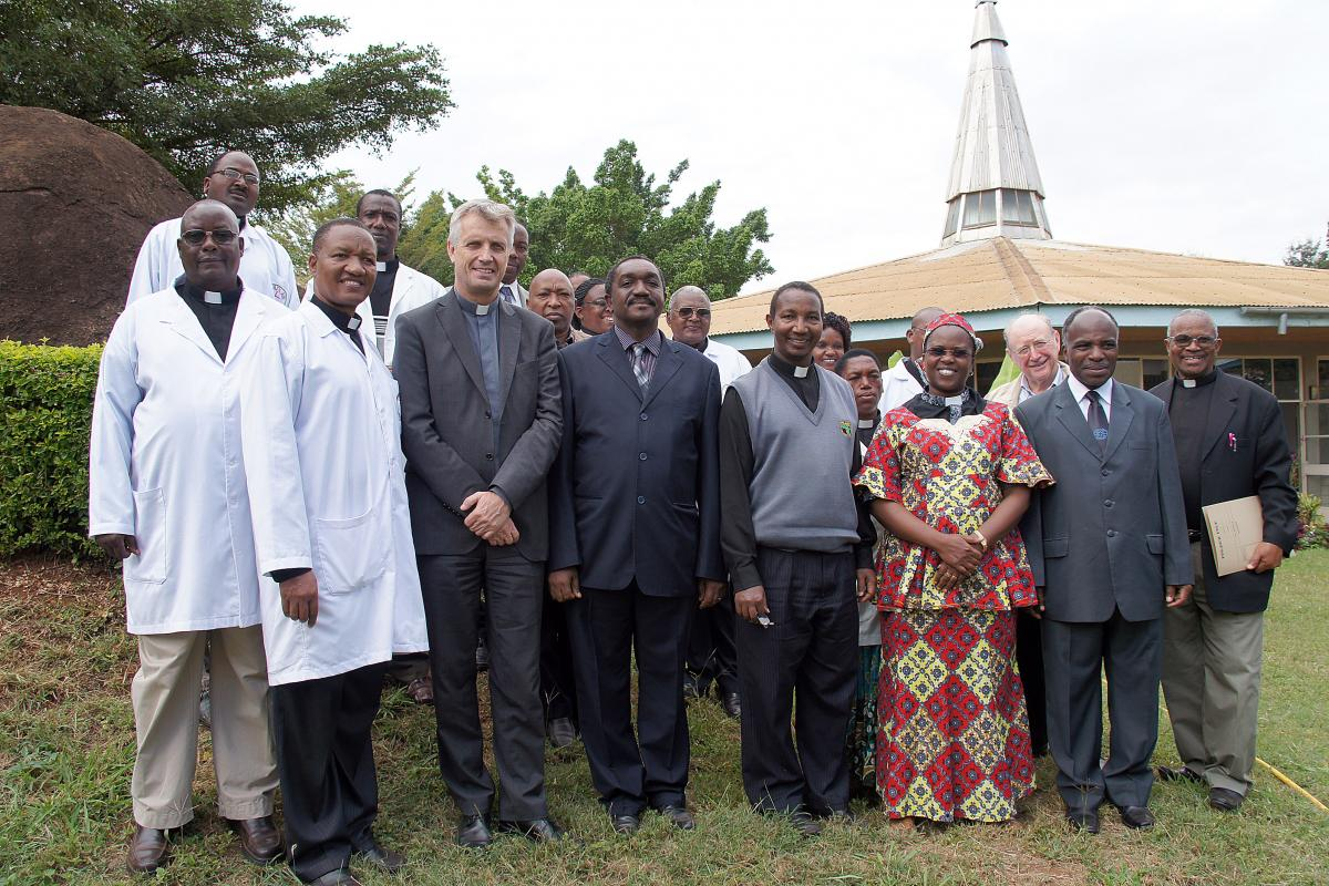 The LWF delegation meets with KCMC staff in Moshi. © LWF/H. Martinussen