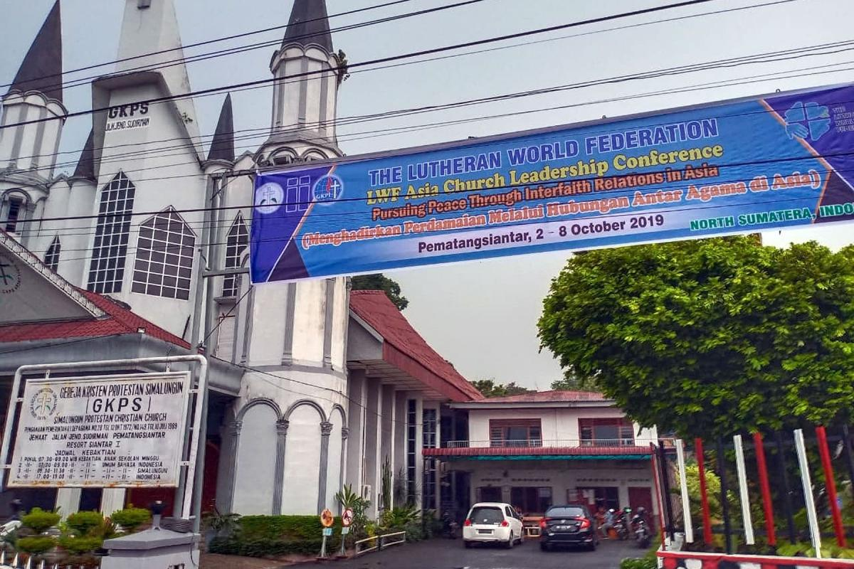 Welcome banner outside the Simalungun Protestant Christian Church in Pematang Siantar in North Sumatra, where participants at the 2 -8 October Asia Church Leadership Conference will gather for Sunday worship. Photo: B. Nahampun