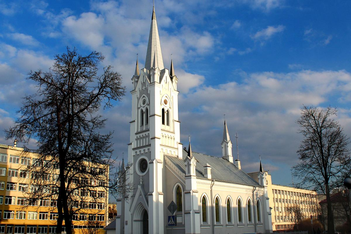 """""""We ask you for your prayers, prayers for peace and stability in our crisis-ridden country."""" Rev. Vladimir Tatarnikow. Photo: Lutheran Church in Grodno, Belarus"""