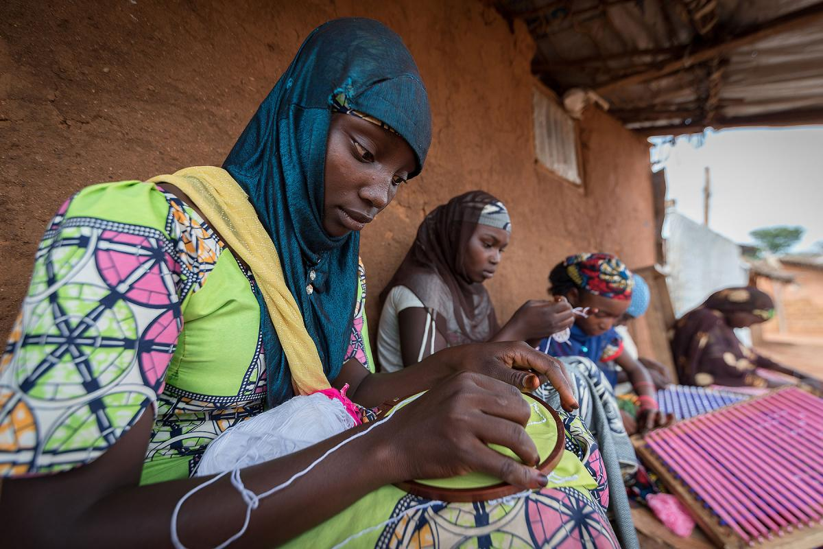Honeisatou Hamadou is one of five trainees learning embroidery from Kaltoumi Chehou in Borgop.