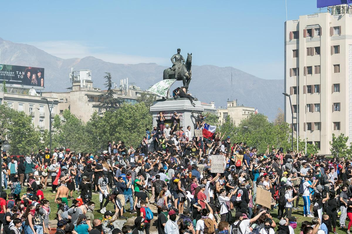 Protests in Santiago, Chile, 21 October 2019. Photo: Carlos Figueroa/Wikimedia Chile (CC-BY-SA)