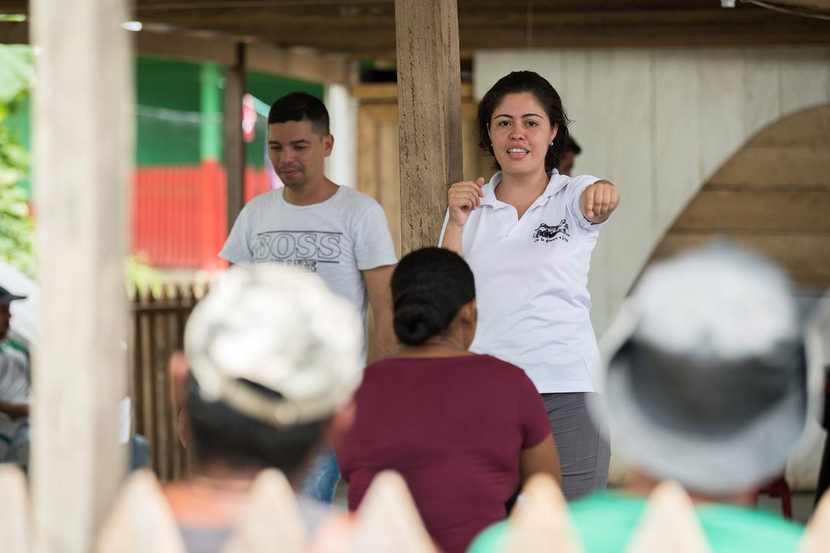 The peacebuilding work of the Evangelical Lutheran Church of Colombia includes supporting ex-combatants to reintegrate into society. Sociologist Ana Eloísa Gómez, leading a workshop in San José de Leó, in the northwestern department of Antioquia, in 2018. Photo: LWF/Albin Hillert