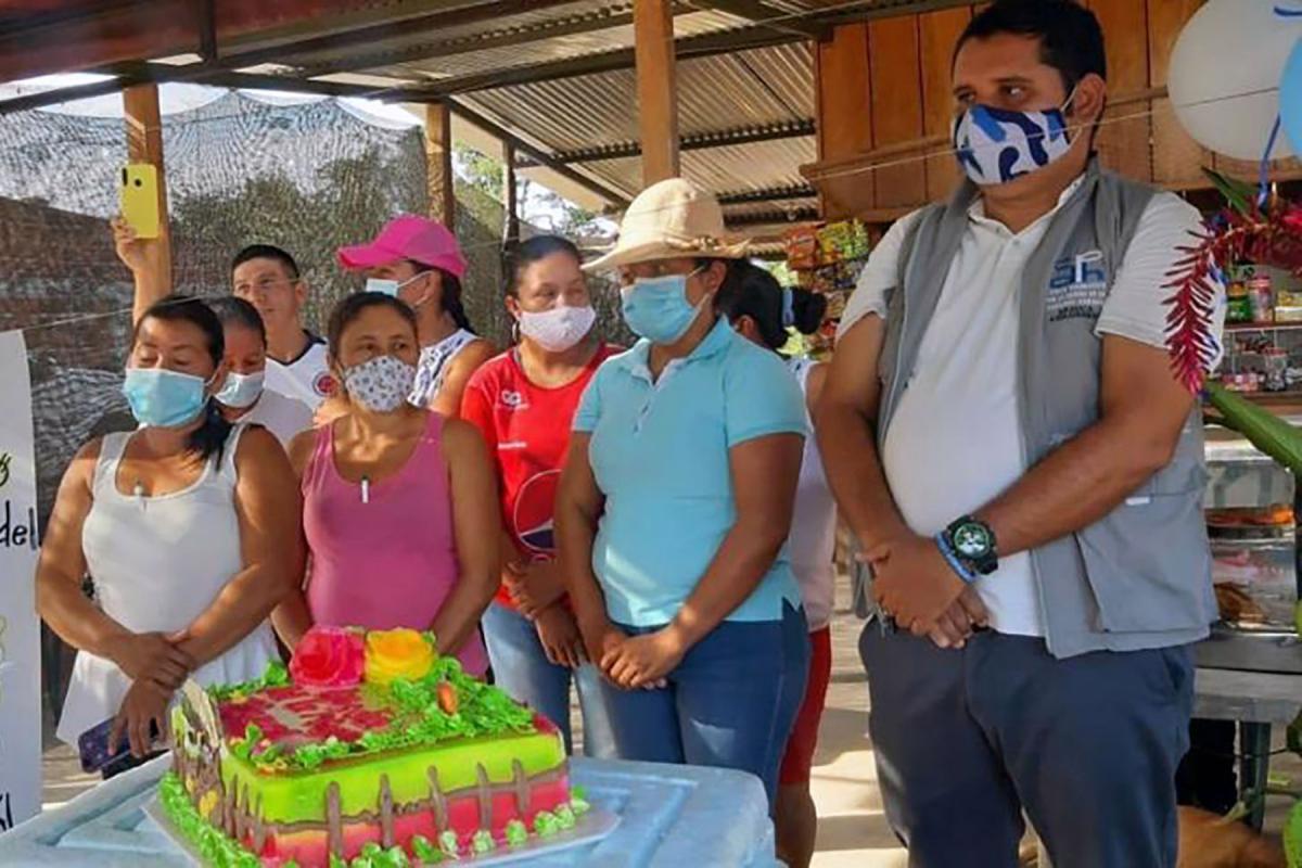The sales stand of the Grupo de Mujeres de las Mercadas Campesinas in la Yuca village. All photos: LWF Colombia