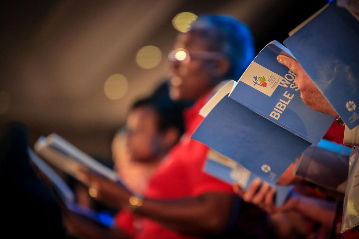 Worship and prayer are integral aspects of LWF assemblies. A Bible study session at the 2017 Assembly in Windhoek, Namibia.  Photo: LWF/Johanan Celine Valeriano