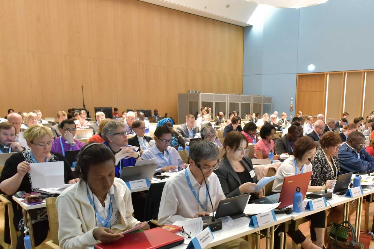 Members of the LWF Council consider a proposal during the 20 June afternoon session of the LWF Council meeting, 15-21 June, 2016, Wittenberg, Germany. Photo: LWF/M. Renaux