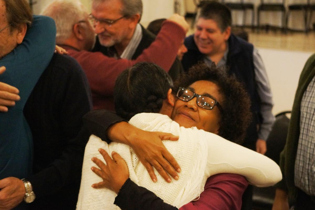 Rev. Marjory Slagtand, board chairperson of the Evangelical Lutheran Church in Suriname, embracing Roxana Gutierrez from the Bolivian Evangelical Lutheran Church. The Surinamese church will host the LWF Pre-Assemblies for the LAC and North American regions. Photo: LWF/Eugenio Albrecht