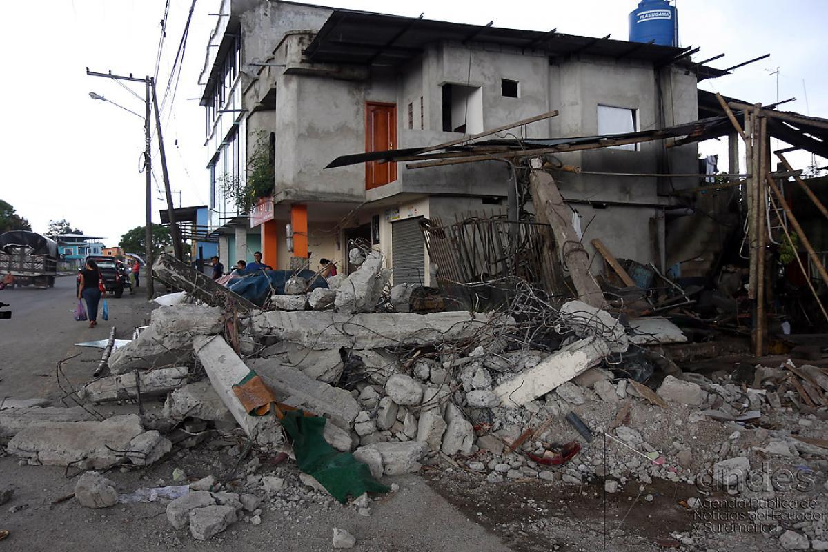 On April 16, an earthquake registering 7.8 magnitude struck off Ecuador's central coast, causing widespread damage. Photo: Agencia de Noticias ANDES (CC-BY-SA)