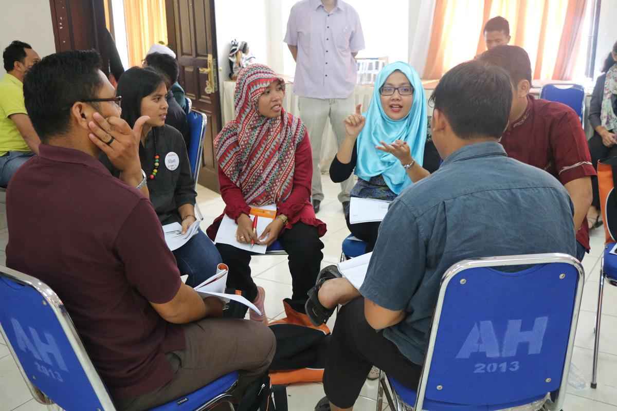 Young Christians and Muslims take part in an interfaith engagement training session in Medan, Indonesia. Photo: A. Yaqin