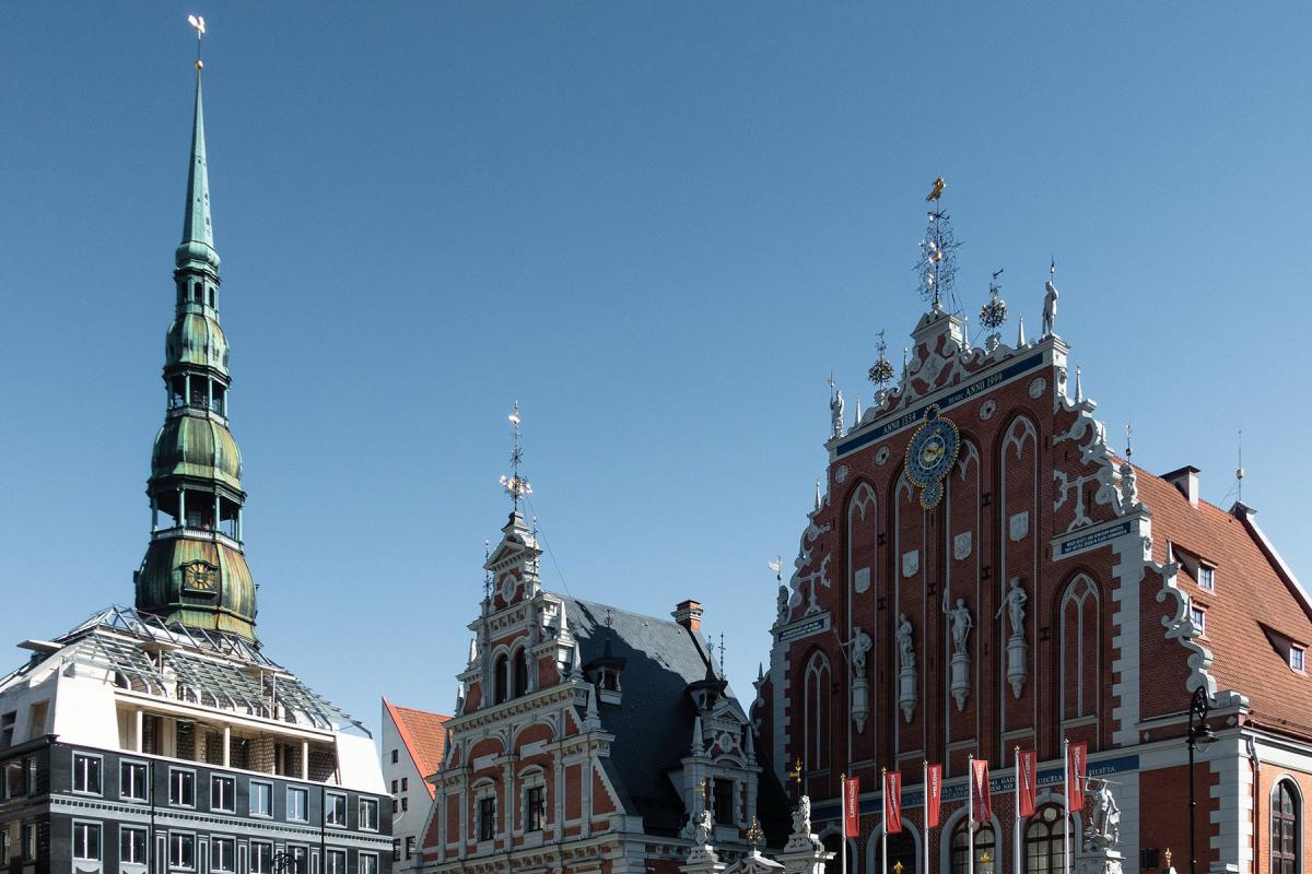 Central Riga with St Peter's Church tower visible on the left-hand side. Photo: Unsplash/Martin Kleppe