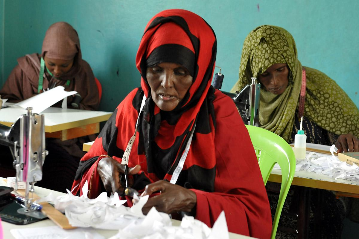Faiza Mahmud Said is one of the 20 women learning how to sew clothes in the LWF workshop. Photo: LWF/C. Kästner