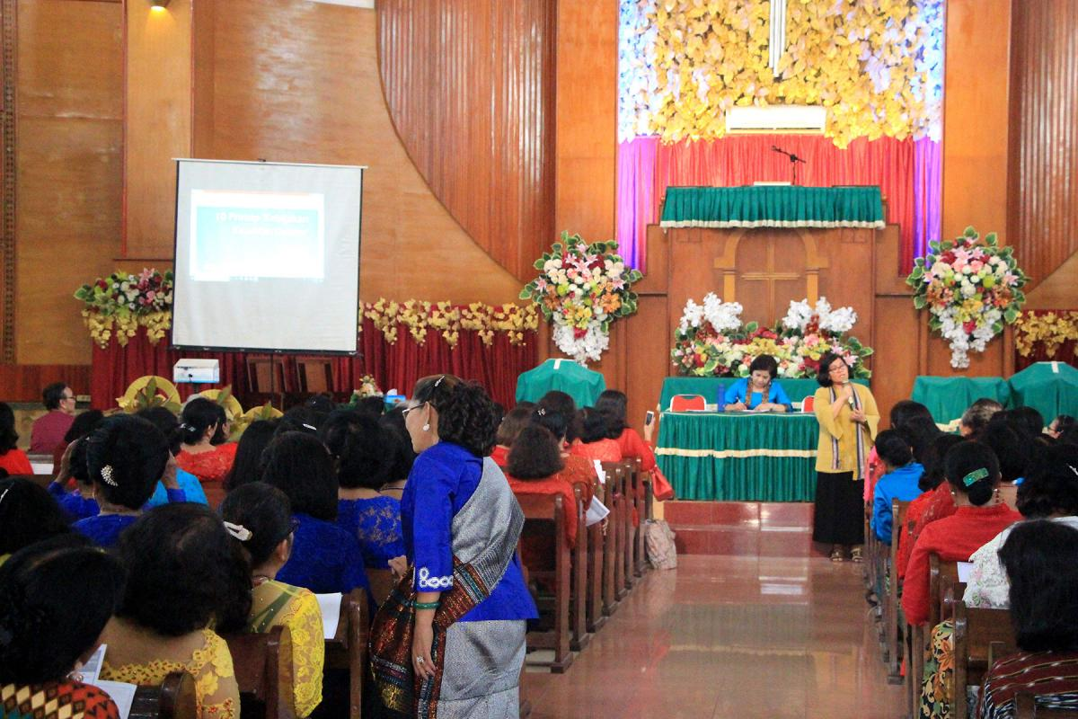 Women from the Christian Protestant Church in Indonesia (GKPI) gathered at a church in Medan City, North Sumatra in August 2019 to hear about ways of implementing the LWF's Gender Justice Policy in their own local context. Photo: Friztian Tobing