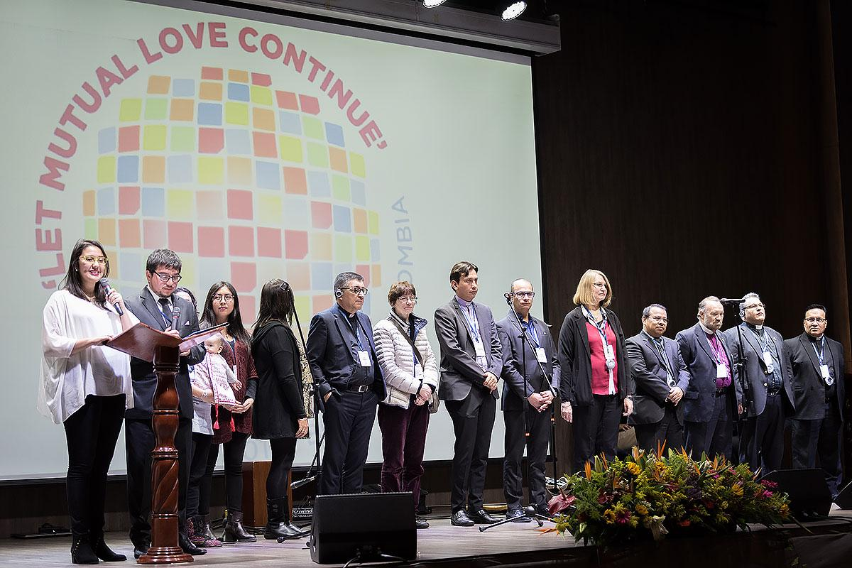 """24 April 2018, Bogotá, Colombia: Welcome by local Colombian churches on opening day. The Global Christian Forum gathers in Bogotá on 24-27 April 2018 under the theme of """"Let mutual love continue"""". Photo: Albin Hillert/WCC"""