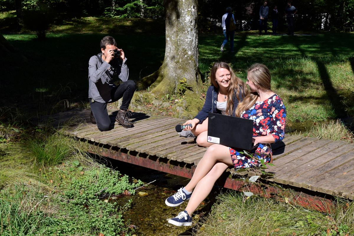 """German Youth Committee working on the podcast """"With Body and Soul"""". Photo: GNC/LWF"""