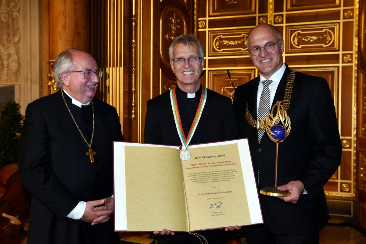 From left: Bishop Michael Grabow, Rev. Dr Martin Junge, Dr. Kurt Gribl. Photo: Ruth Plössel.