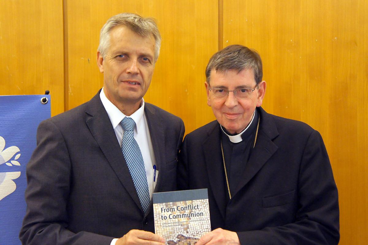 LWF General Secretary Junge and PCPCU President Koch. Photo: LWF/S. Gallay