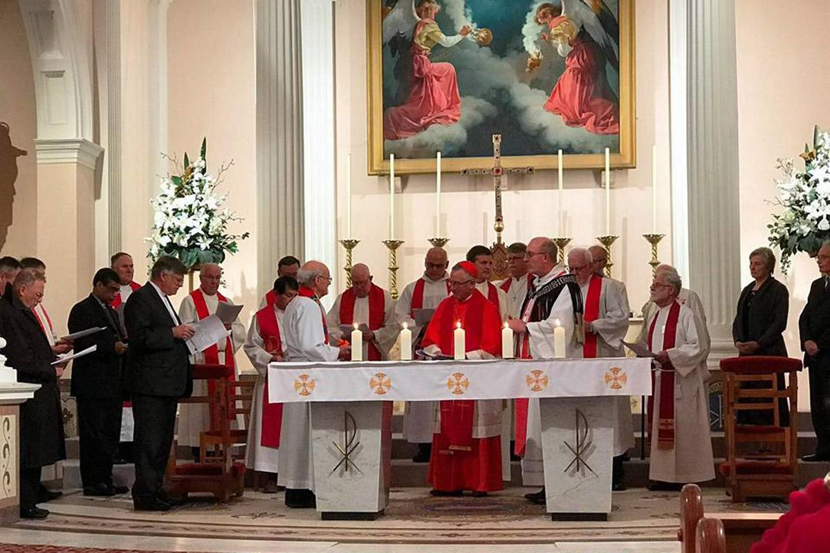 In June 2017, Lutheran Bishop Mark Whitfield and Cardinal John Dew hosted a joint ecumenical service to commemorate the Reformation in the Roman Catholic Cathedral in Wellington, New Zealand. Photo: LCNZ