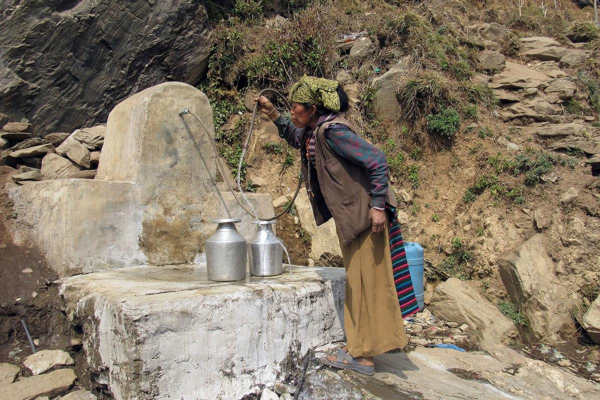 Thanks to collaboration between the LWF and IRW, locals have a fountain that provides safe drinking water. Photo: LWF/IRW
