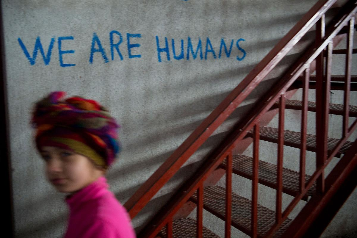 Seeking asylum is a human right, Lutheran and Catholic bishops in the Nordic countries insist and EU member States have both a legal commitment and a moral obligation to support people escaping from oppression and persecution. In the image, Oreokastro refugee camp outside of Thessaloniki, Greece. Photo: Håvard Bjelland/Kirkens Nødhjelp