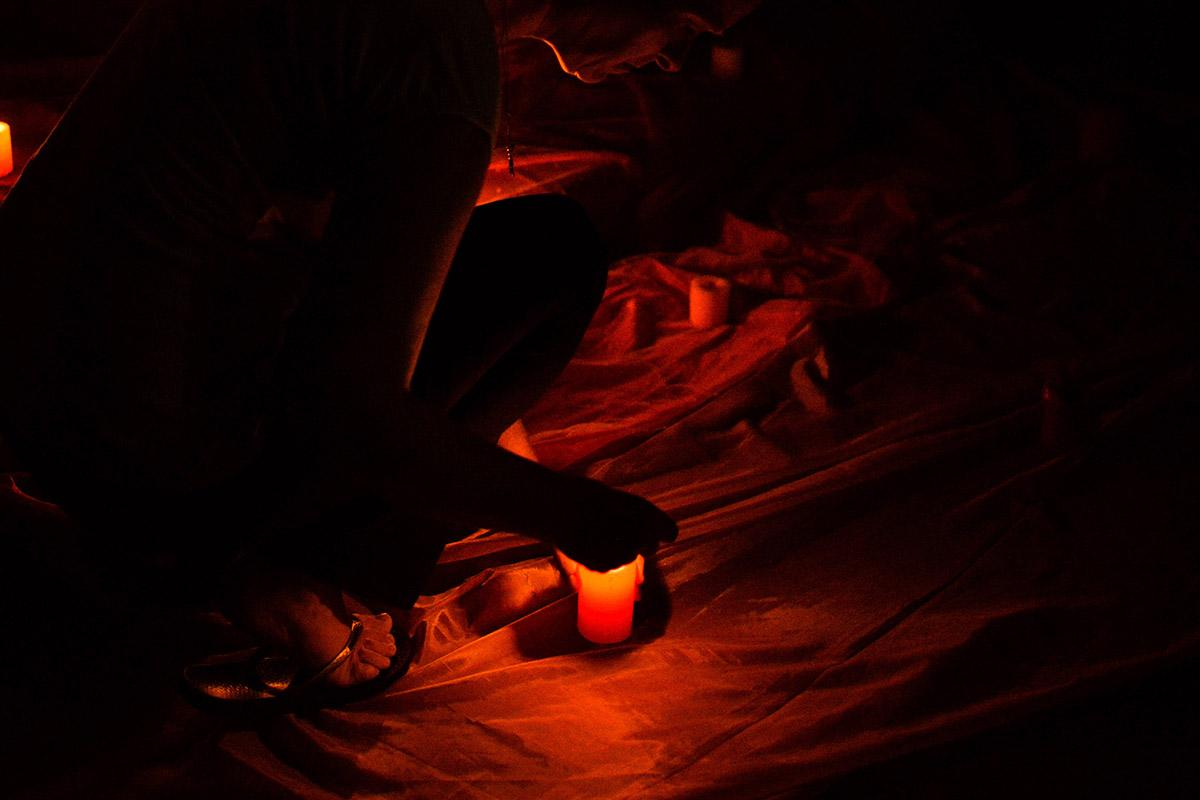 Prayer to overcome violence. Photo: Eugenio Albrecht