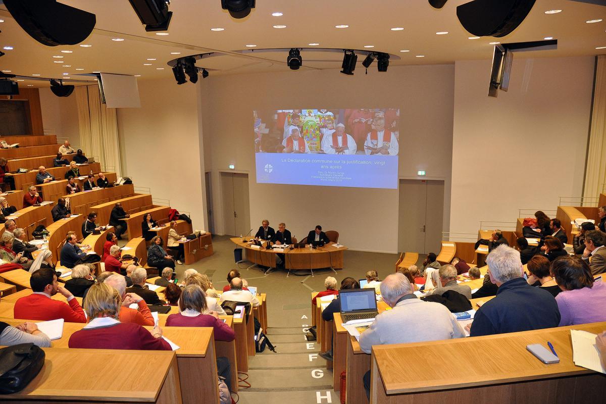 Participants attending the Colloquium at the Paris Institute for Advanced Studies in Ecumenism listen to LWF General Secretary Rev. Dr Martin Junge giving his keynote address. Photo: Ivan Karageorgiev/Unité des Chrétiens