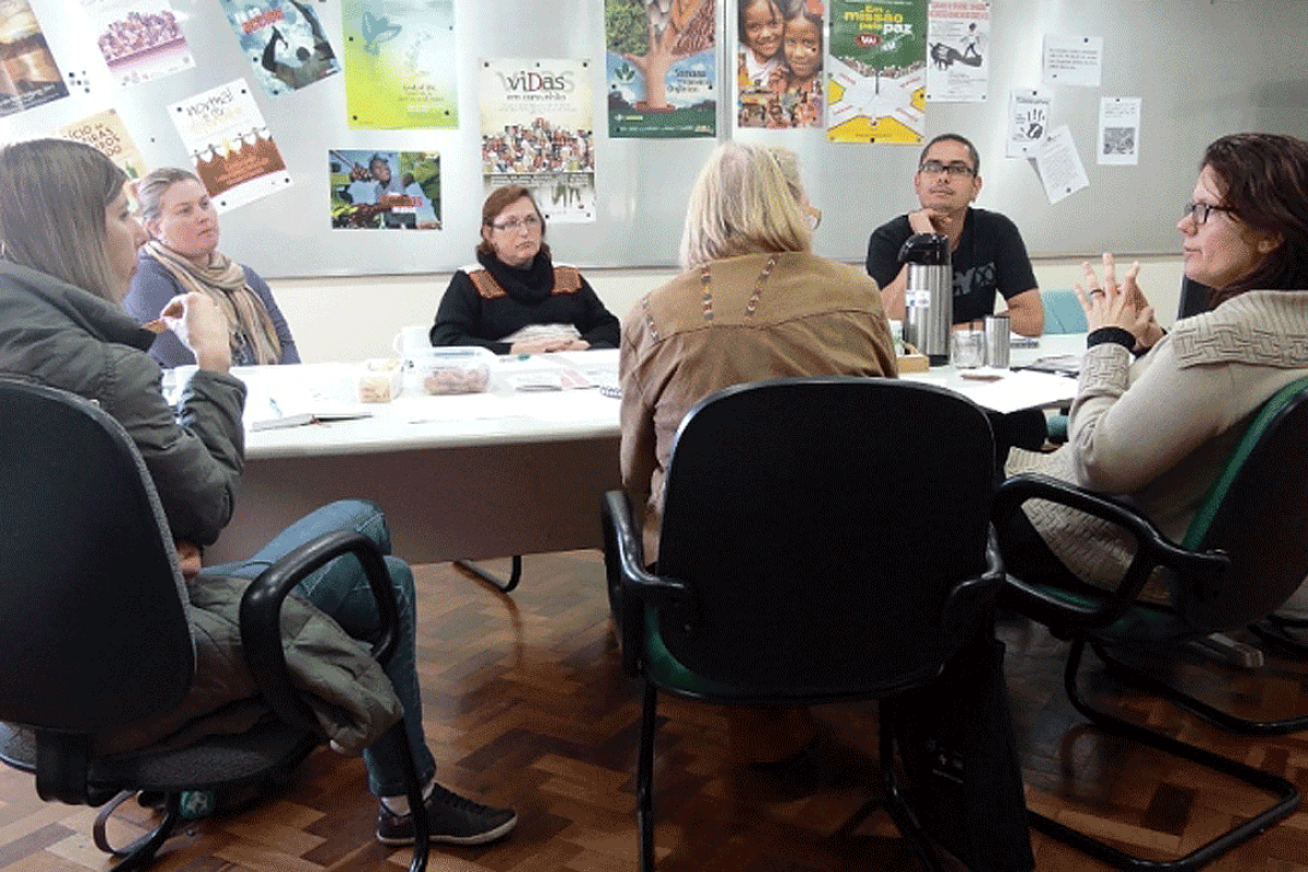 Rede de Diaconia members plan actions for 2015 after closing the 2014 year with positive results. Photo: FLD
